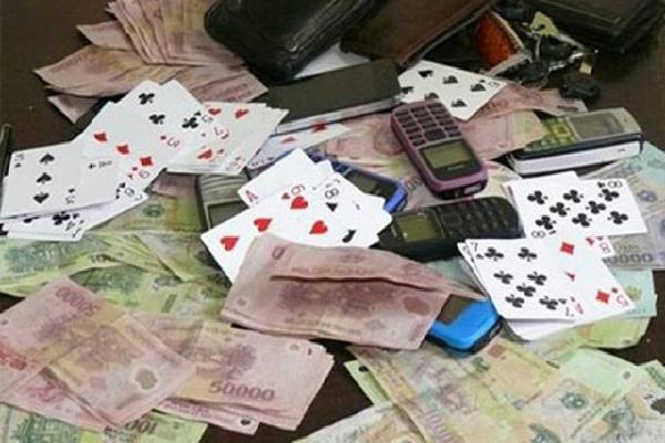 Đội trưởng Thanh tra giao thông Cần Thơ bị bắt quả tang đánh bạc