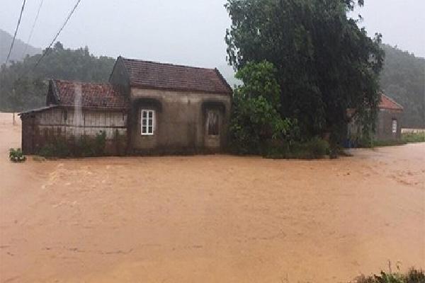 Dự báo thời tiết 20/7: Lũ cuồn cuộn đổ về khắp các tỉnh