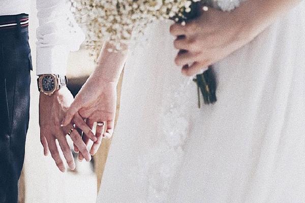 Tú Anh khoe cặp nhẫn cưới 200 triệu trước giờ lên xe hoa