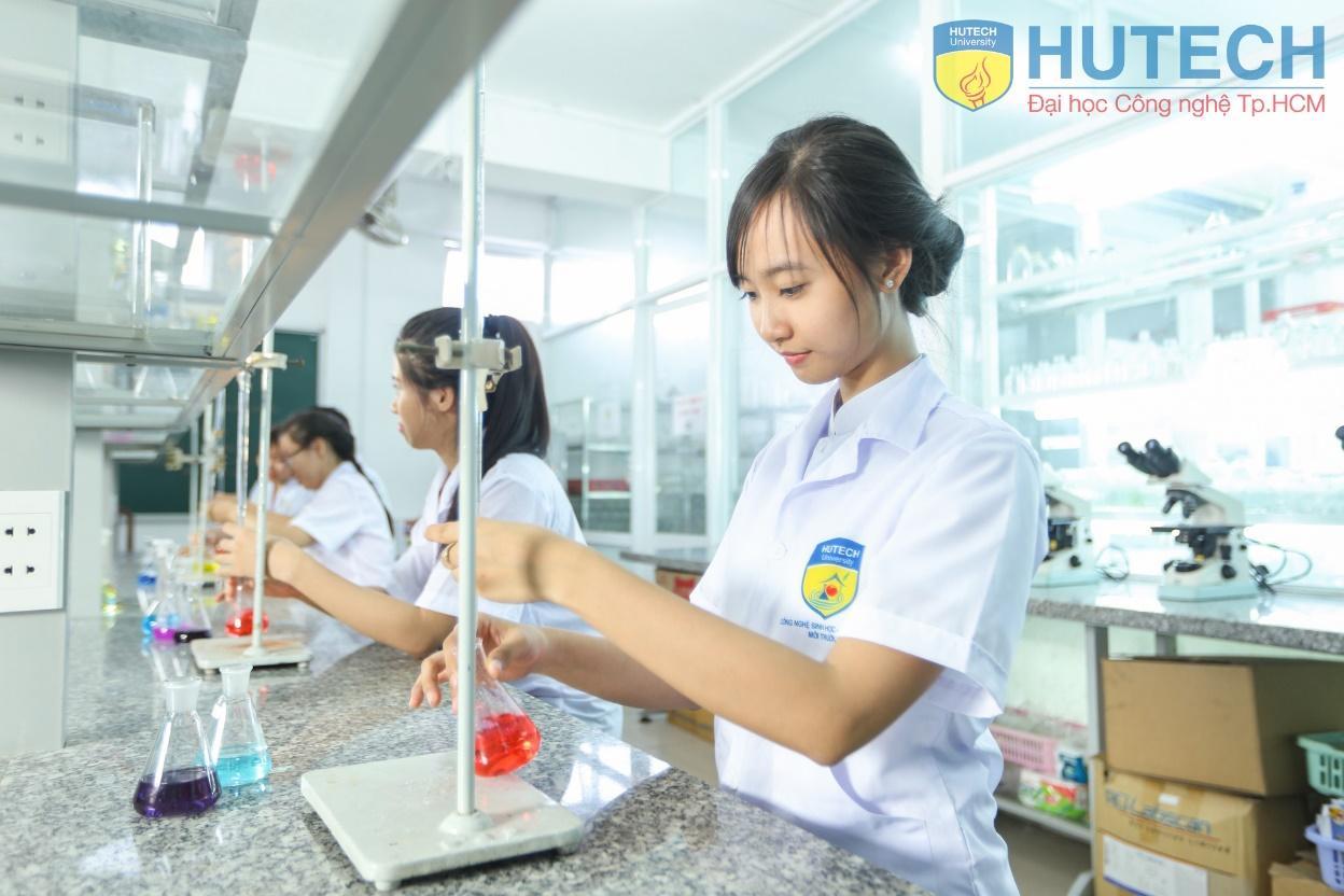 Đại học HUTECH xét tuyển học bạ lớp 12 cho tất cả 40 ngành đào tạo