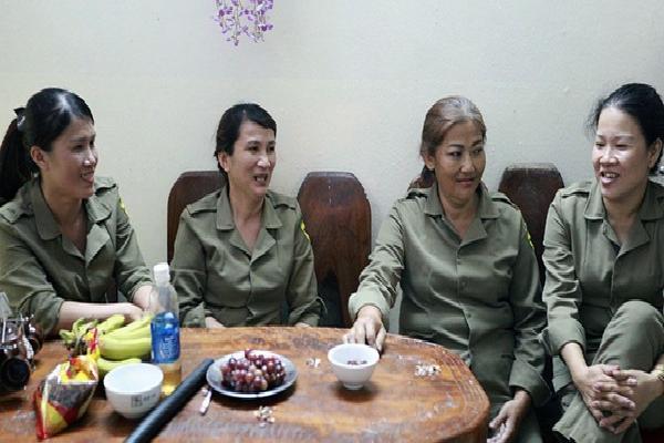 'Chung cư không chồng' ở Đà Nẵng: Nơi những người phụ nữ đùm bọc, làm tất cả việc của đàn ông kể cả bảo vệ tổ dân phố