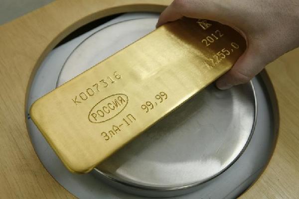 Giá vàng hôm nay 20/8: Đầu cơ USD, vàng mất cơ hội tăng giá