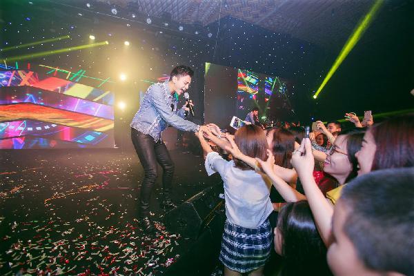 Soobin Hoàng Sơn, Touliver 'đốt cháy' sân khấu Sài Thành bằng loạt hit sôi động