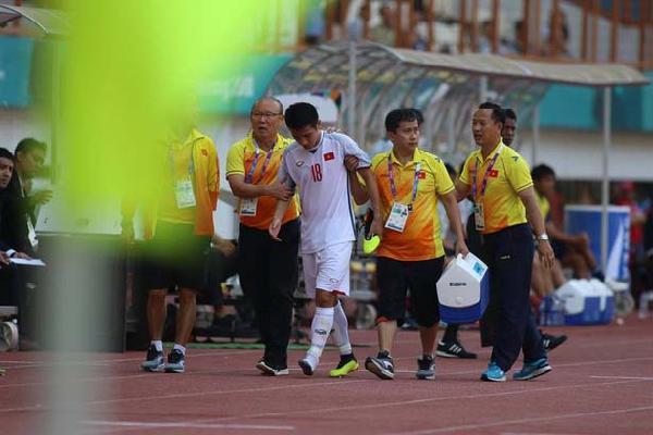 Tin dữ với U23 Việt Nam: Hùng Dũng bị gãy ngón chân, phải nghỉ ít nhất 1 tháng