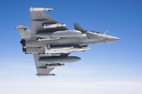Pháp đưa tiêm kích Rafale 'đắt xắt ra miếng' tới Việt Nam: Nội Bài sắp đón khách?