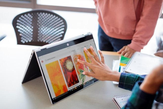 HP Pavilion x360 hỗ trợ 4 tư thế sử dụng khác nhau tùy theo mục đích của người dùng.
