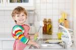 Cách dạy trẻ tự giác làm việc nhà