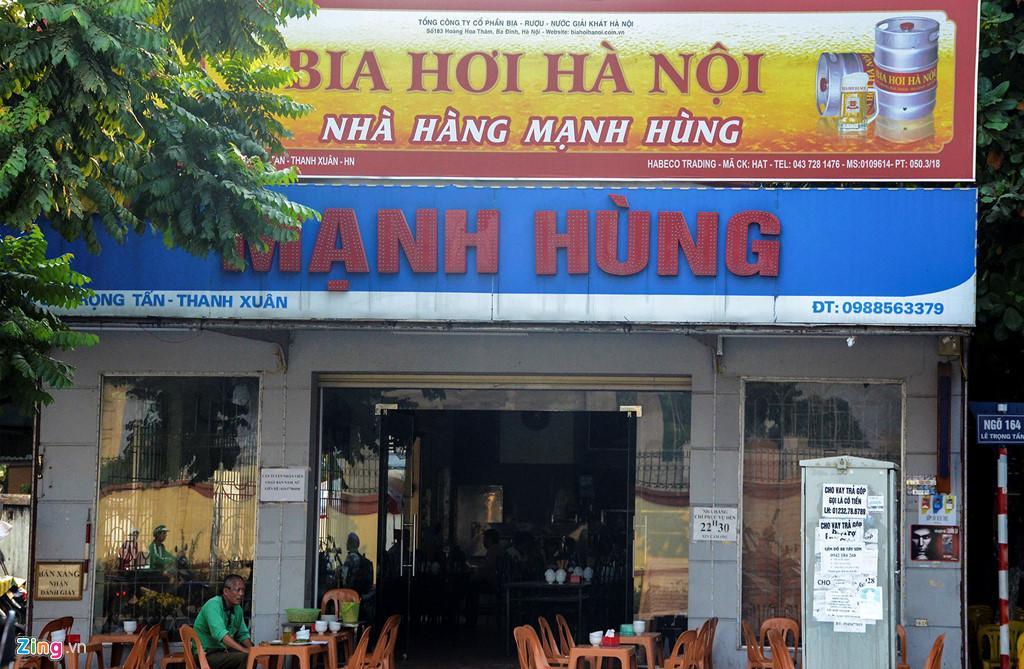Sau 2 năm thực hiện, tuyến phố biển hiệu kiểu mẫu đầu tiên ở Hà Nội coi như thất bại bởi thiếu hợp lý trong thực tiễn.
