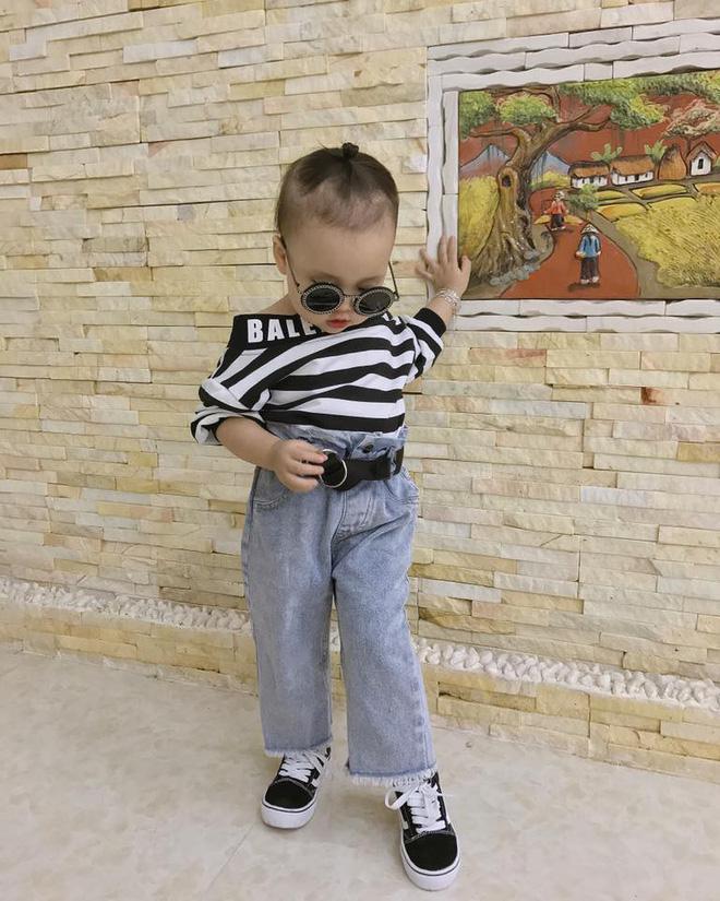 Đêm hôm còn bị bố trêu không ngủ được, bé 3 tuổi đánh điện cầu cứu ông nội rồi chốt một câu làm ai cũng cười ngất - Ảnh 3.
