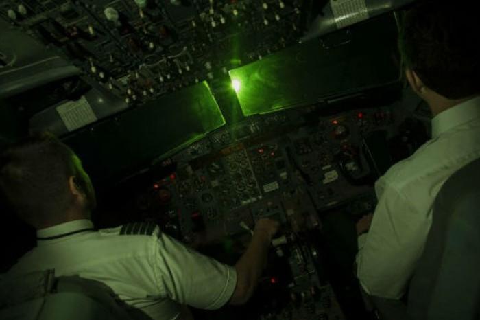 Tin nhanh - Báo động nhiều máy bay bị chiếu laser khi bay qua địa phận Đồng Nai (Hình 2).