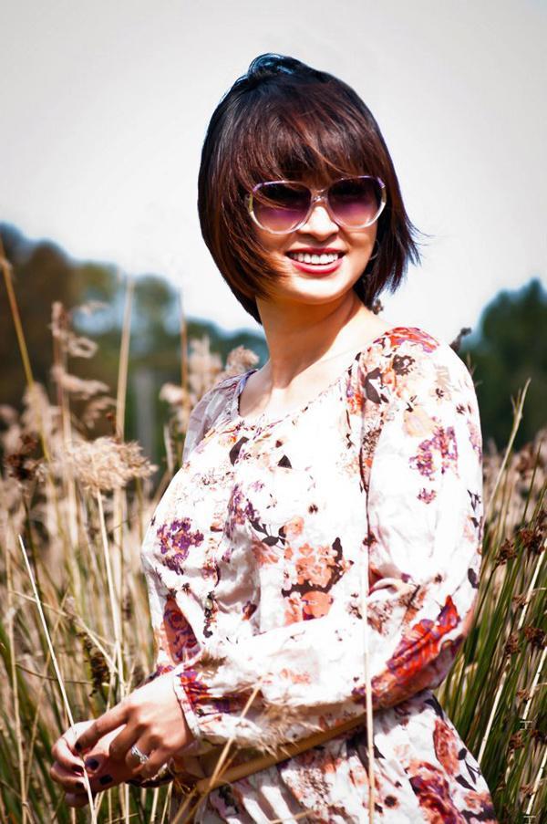 Năm 2010, cô kết hôn với em trai của ca sĩ hải ngoại Trizzie Phương Trinh - Quý Nguyễn. Ở thời điểm đó, ca sĩ từng chia sẻ cô cảm thấy hạnh phúc và bình yên với gia đình nhỏ.