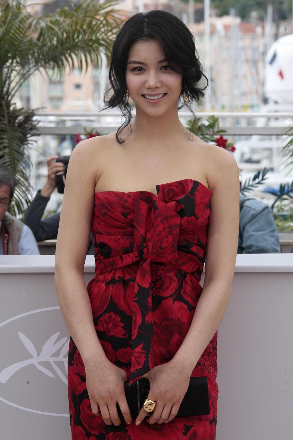 Kim Ok Bin sở hữu vóc dáng quyến rũ, tuy không quá xuất sắc nhưng lại gây được ấn tượng với các nhà làm phim và khán giả màn ảnh rộng.