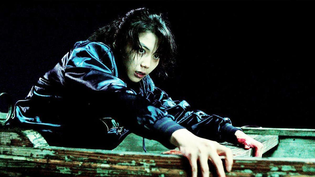 """Kim Ok Bin khiến khán giả ám ảnh với diễn xuất đỉnh cao trong tác phẩm """"Thirst"""". Đây cũng là tác phẩm giúp cô vươn xa tên tuổi ra thế giới."""