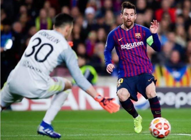 Messi tỏa sáng rực rỡ, giúp Barca đè bẹp Lyon.