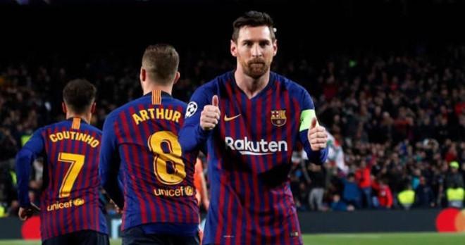 Barca là đội cuối cùng giành vé vào tứ kết Champions League mùa này.