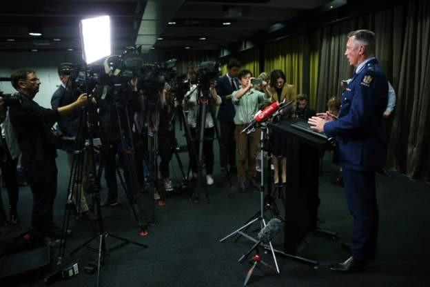 Đại diện cảnh sát New Zealand, ông Mike Bush phát biểu trước báo giới (Ảnh: Getty)