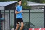 U23 Thái Lan mang cầu thủ cao gần 2m đến Hà Nội