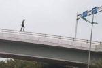 Cô gái nhảy cầu vượt tử vong tại sân bay Nội Bài