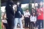 Phẫn nộ trước cảnh học sinh lớp 8 bị đánh, tát hội đồng liên tiếp