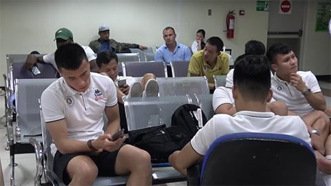 """Quang Hải và đồng đội bị """"hành xác"""" sau trận đấu ở AFC Cup"""