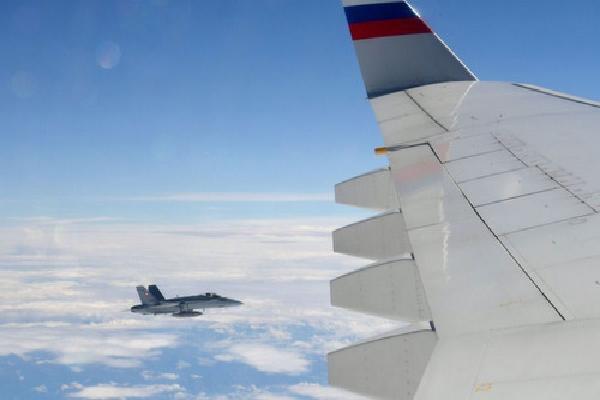 Tiêm kích Thụy Sĩ bám sát máy bay chở đoàn tháp tùng Putin