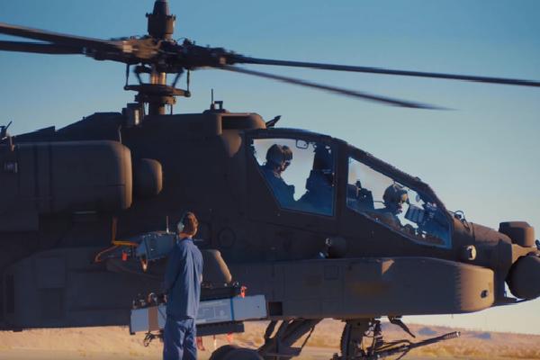 Trực thăng AH-64E Apache của Mỹ khai hỏa, 'bản sao' tên lửa Pantsir Nga nổ tung