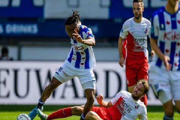 SC Heerenveen 1-1 Utrecht: Đội của Văn Hậu đánh rơi chiến thắng