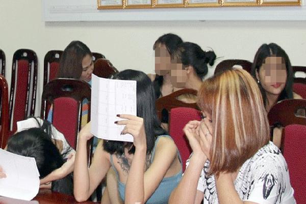 70 thanh niên sử dụng ma túy trong quán karaoke