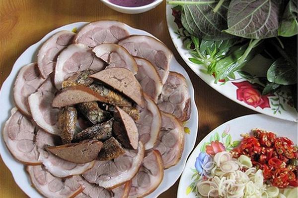 Nhật Bản phạt tù người Việt Nam mang 60 kg thịt chó