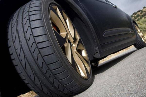 Tại sao vỏ lốp xe lại có rãnh và gai?