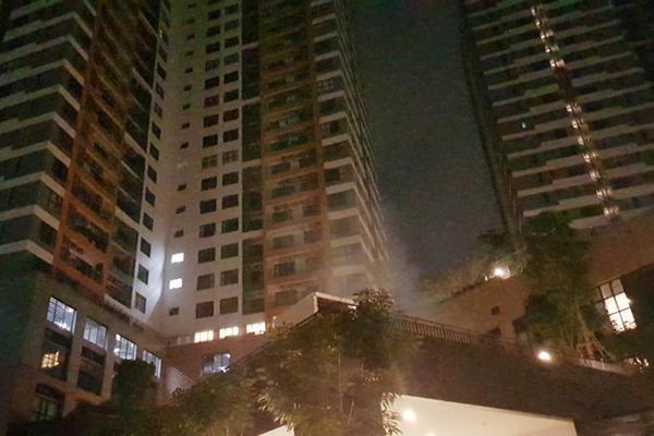 Cư dân The Sun Avenue tháo chạy vì khói máy phát điện