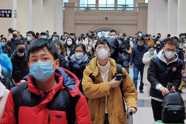 Vũ Hán hóa thành phố ma, dân tháo chạy sớm nhờ 'người nhà công chức'