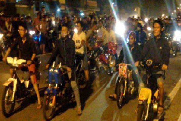 Cảnh sát Hà Nội hóa trang chống đua xe đêm giao thừa
