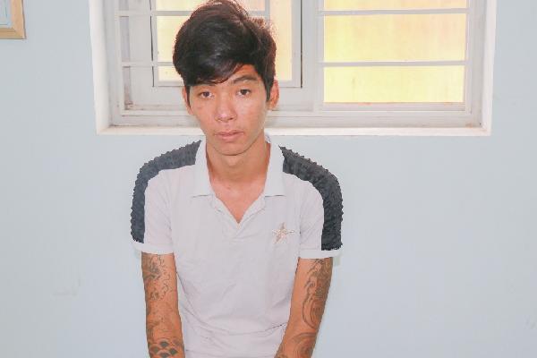 Khởi tố thanh niên xăm trổ lừa bé trai 10 tuổi để cướp 9 con gà