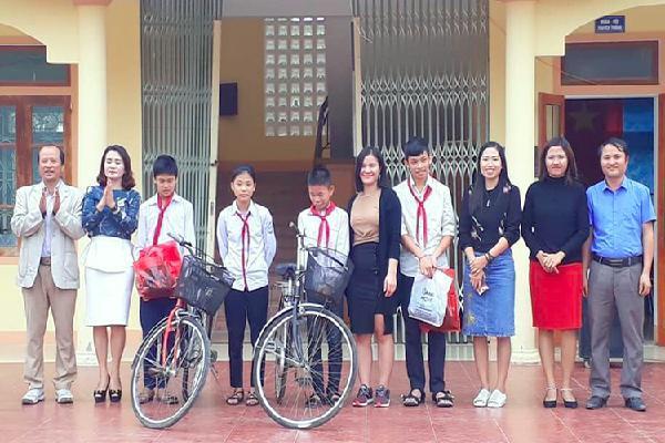 Gom xe đạp cũ tặng học sinh nghèo