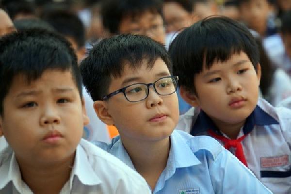 Nhiều phụ huynh chưa muốn học sinh trở lại trường đầu tháng 3 tới