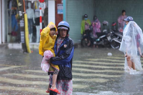 Quảng Nam, Đà Nẵng cho học sinh nghỉ phòng bão số 9