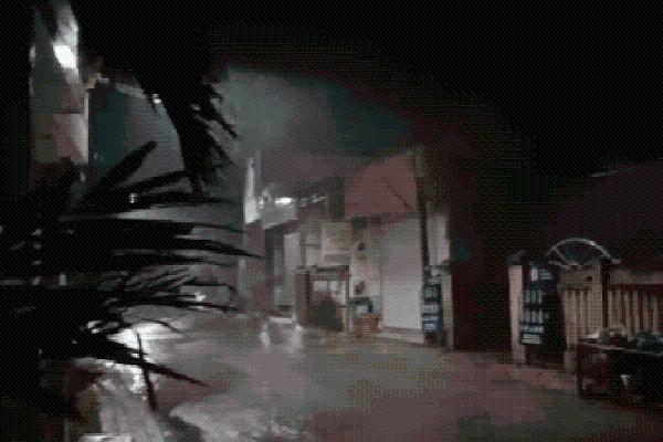 CLIP: Bão số 9 đã đổ bộ vào Lý Sơn