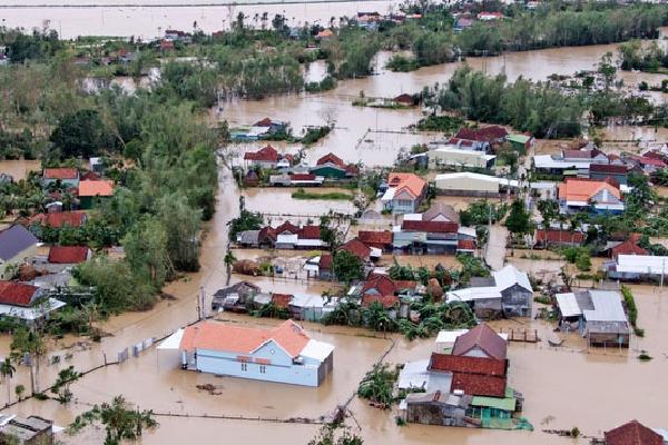 Lũ lên sau bão số 9, hơn 6.000 hộ dân ở Quảng Ngãi bị ngập