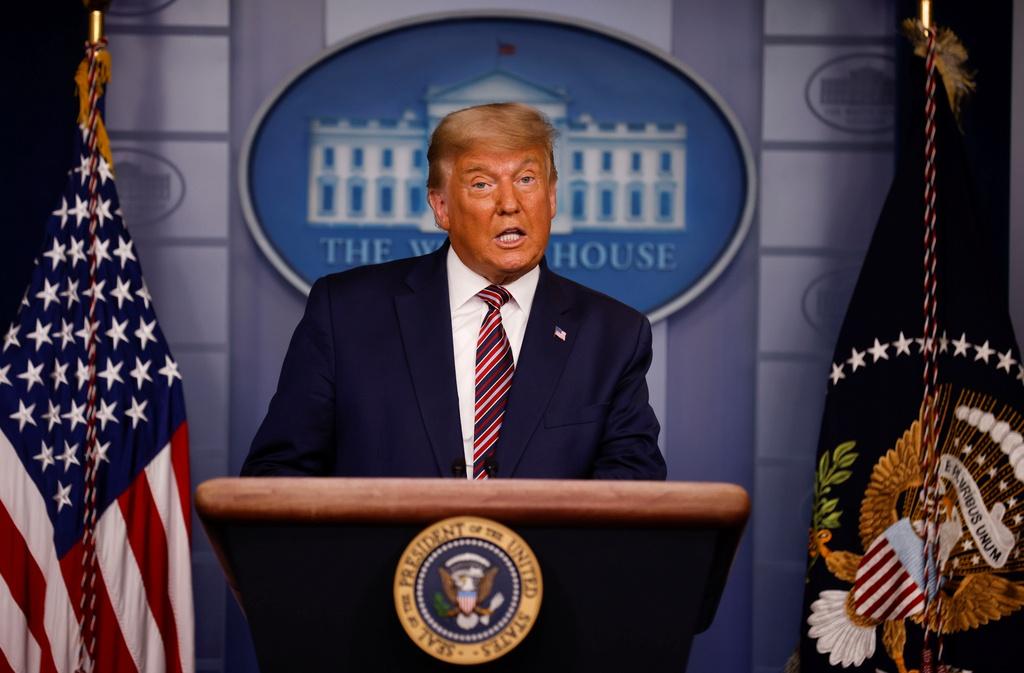 Tổng thống Trump nhiều lần bày tỏ sự nghi ngờ tính hợp pháp của kết quả bầu cử. Ảnh: Reuters.