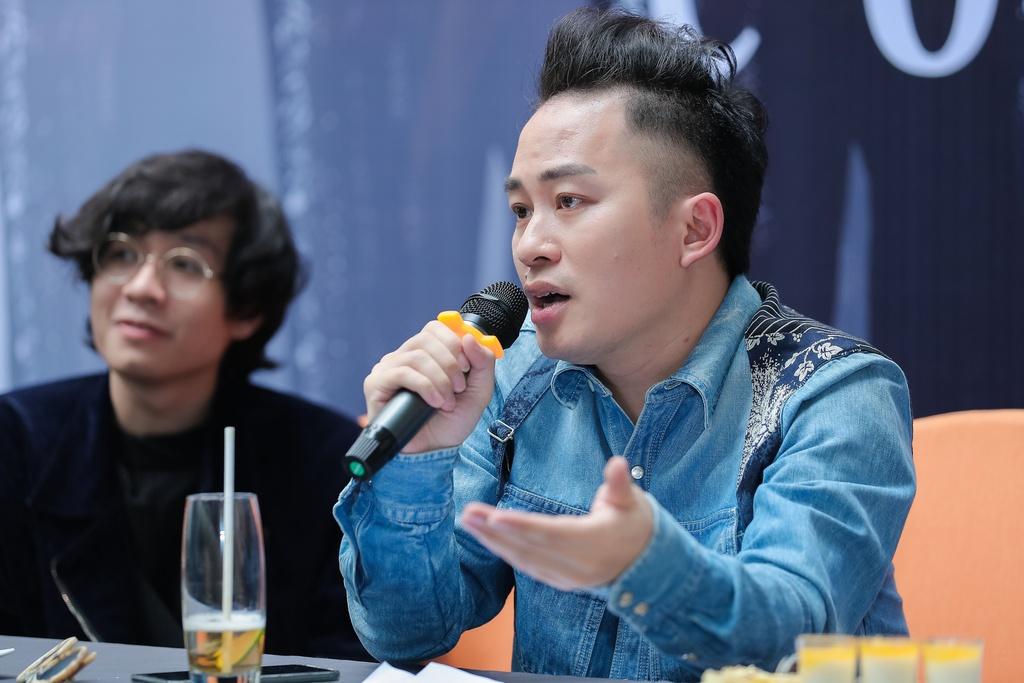 Ca sĩ Tùng Dương mời Ngọt và Bùi Lan Hương tham gia liveshow sắp tới. Ảnh: Hòa Nguyễn.