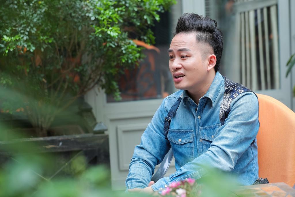 Tùng Dương chia sẻ anh theo dõi và cũng thích rap.