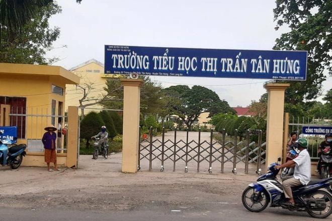 Trường Tiểu học thị trấn Tân Hưng, nơi xảy ra vụ việc. Ảnh: A.L.