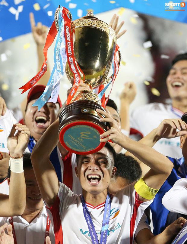 Với cá nhân Bùi Tiến Dũng, đây là chức vô địch V.League đầu tiên, trước đó anh cùng Viettel giành chức vô địch hạng Nhất quốc gia năm 2018