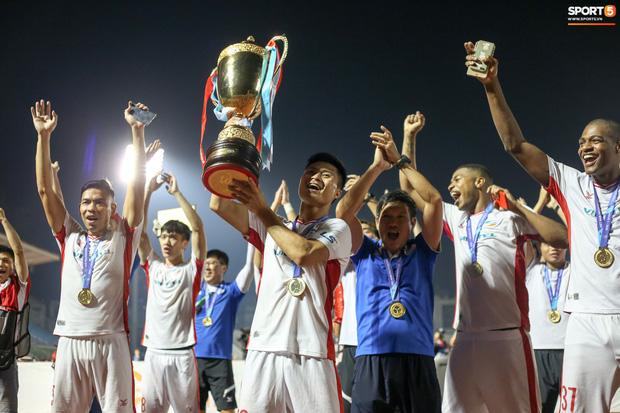 Viettel trở thành tân vương V.League hoàn toàn xứng đáng. Họ giành 6 chiến thắng, chỉ hoà duy nhất 1 trận trong giai đoạn hai của mùa giải, trong đó có 5 trận thắng với tỷ số 1-0