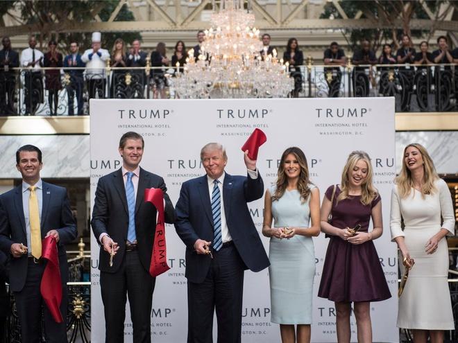 Công ty ông Trump có thể tự do làm ăn tại nước ngoài khi ông không còn là tổng thống Mỹ. Ảnh: Business Insider.