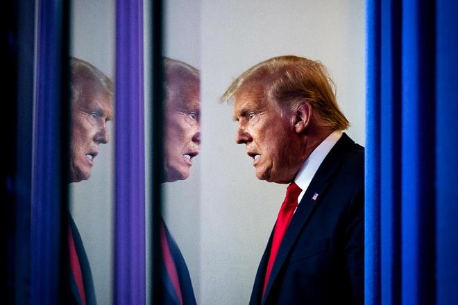 Công ty nhà ông Trump đang đối mặt với khoản nợ hàng trăm triệu USD sắp đáo hạn, phần lớn đến từ ngân hàng Deutsche Bank (Đức). Ảnh: Vanity Fair.