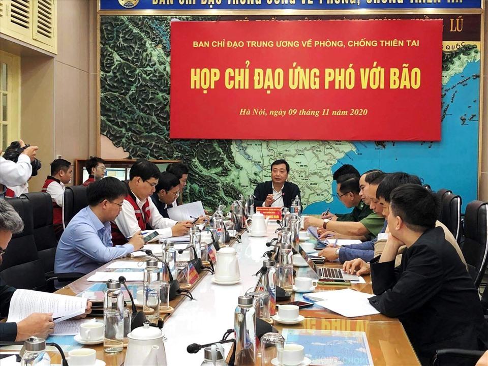 BCĐ Trung ương về PCTT họp ứng phó với bão số 12. Ảnh: Ngọc Hà.