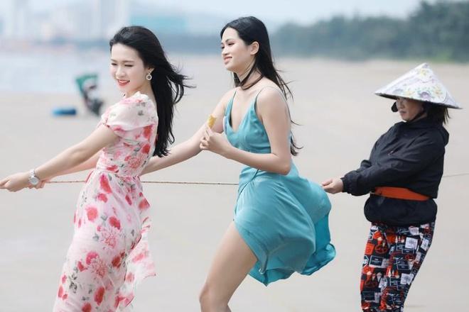 Hình ảnh kéo lưới bị chê gượng gạo của thí sinh Hoa hậu Việt Nam 2020. Ảnh: BTC.