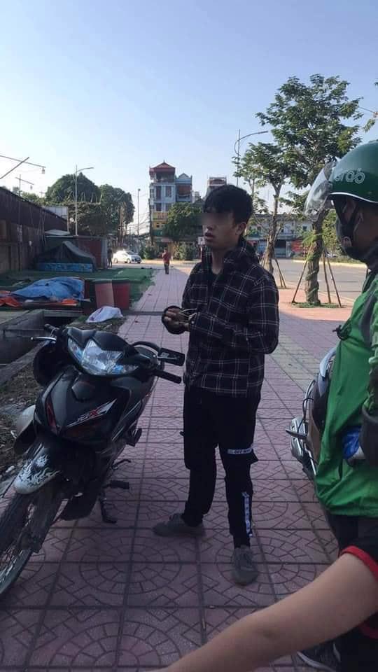 Gã thanh niên 27 tuổi bị bắt tại trận khi gạ 1 bé học sinh đi nhà nghỉ.